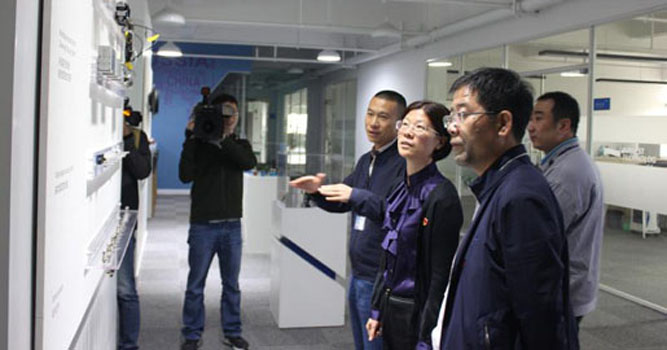 [2019-05-06The head of county came to our company to investigate scientific and technological innovation work.